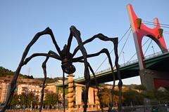 Araña y puente de la Salve (Bilbao, País Vasco, España, 27-9-2018) (Juanje Orío) Tags: 2018 bilbao vizcaya provinciadevizcaya paísvasco euskadi españa espagne espanha espanya spain europa europe europeanunion unióneuropea escultura sculpture puente bridge