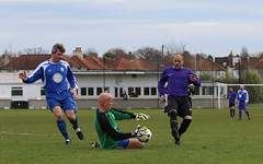WPV v WGV-150 (Andy the Photographer) Tags: worcesterparkvets wandgassportsvets worcesterparkfc wandgassportsfc vetsfootball sundayvets football footballmatch footballlandscapes footballphotography footballgrounds nonleaguefootball nonleague fussball fútbol fusball futebol calcio