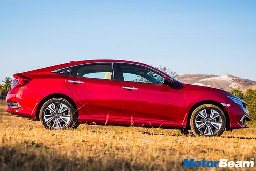 2019-Honda-Civic-29