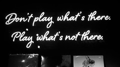 068/365: Play what's not there. (Fille.de.Lumière) Tags: neon neonmessages blackandwhite blackwhite thewritingonthewall whitelabelrecords whatsnotthere playwhatsnotthere music vinyl darkandlight darklight monochromemessages monochrome neonlights writing signs signwriters interestingwalls recordshop vinylstore