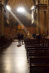 Luce (Vincenzo Elviretti) Tags: subiaco lazio italia regione provincia roma europa santandrea santo andrea zi prete crocifisso filtrante luce ziprete chiesa religione religiosità misticismo