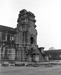 1111 (The Dent.) Tags: cambodia siem reap mamiya 7ii tmy2 hc110 dilution b 6 min