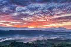 Color temperature before sunrise (Isaac Chiu_TW) Tags: sunrise seaofclouds clouds colortemperature colortemperaturebeforesunrise cloudsinthesky colorclouds mountains taiwan tainan taiwanmt bamboo