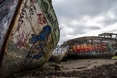 dans l'oubli (Patrick Doreau) Tags: cimetière cimetery boat bateau old vieux ruine ruin rance saintmalo quelmer graffity ciel sky couleurs colors groupenuagesetciel