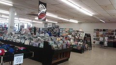 Vinyl is back (Retail Retell) Tags: manifest columbia sc discs tapes records cds dvds media store independent chain trans world entertainment fye boozer shopping center