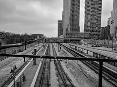 Metra (ancientlives) Tags: chicago illinois il usa travel trips train railway metra south line soldierfield towers clouds weather sky skyline skyscrapers buildings architecture museumcampus mono monochrome blackandwhite bw sunday march 2019 spring