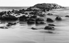 Playa (A.Cuerva) Tags: baixpenedés bn bw cunit rocas mar agua cielo largaexposición cataluña spain españa