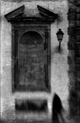 """""Down into the gray"" (Lucretia My Reflection) Tags: lensbaby sweet50 selectivefocus tiltlens blur bokeh seeinanewway lucca shadow newdimension anotherdimension surreal surrealshot dream dreamy creepy haunting demon blackandwhite bw silhouette old ancient facade street texture window"
