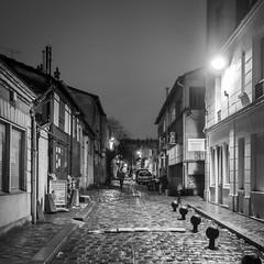 Impasse Mousset - Rue de Reuilly - 2019 (rfigueiredo75) Tags: noirblanc blackwhite streetpassionaward street paris people