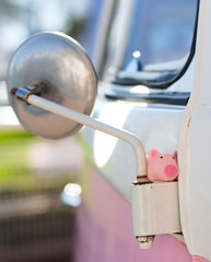 2019-03-24 - Piggy (kwaklog) Tags: vw camper detail pig rubber pink volksworld toy small hiding
