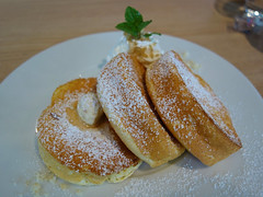 More fluffy pancakes (fb81) Tags: japan tokyo yokohama fluffy jiggly souffle pannacotta mascarpone pancake breakfast dessert ice cream sauce maple syrup food