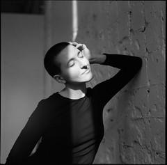 Ксения (Natasha Buzina) Tags: portrait studio film fomapan pentaconsix bw blackandwhite mediumformat пленка портрет