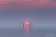 Toverball! (karindebruin) Tags: jos nd06hardgrad rockanje thenetherlands visnetten voorneputtenwestvoorne zonsondergang zuidholland beach fishingnets sand sea strand sunset zand zee