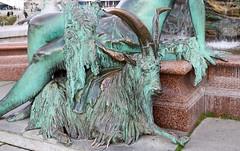 Berlín_0657 (Joanbrebo) Tags: neptunbrunnen mitte berlin de deutschland font fountain fontaine fuente canoneos80d eosd autofocus