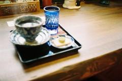 A nice cup of coffee (focus failure) (しまむー) Tags: canon af35m autoboy 38mm f28 fuji fujicolor 100 oga kakunodate 男鹿 角館