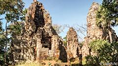 Phnom Banan Temple (1) (Lцdо\/іс) Tags: wat banan temple battambang phnom angkor cambodia cambodge kambodscha khmer countryside travel trip asia asian asie asiatique lцdоіс discover explore ruines voyage holiday