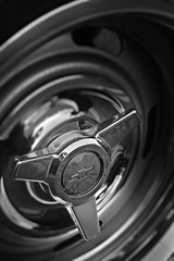 Chevelle SS wheel hub B&W (Light Orchard) Tags: car auto automobile voiture chevrolet chevy chevelle ss supersport muscle 396 ©2019lightorchard bruceschneider caffeineoctane american