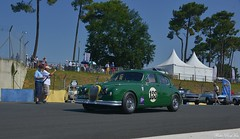 1958 Lister Jaguar Mk 1 (pontfire) Tags: le mans classic 2018 lmc challenge jaguar juillet course sur circuit de classiques voitures historiques sport courses automobiles dendurance rétro nostalgie jag sports cars voiture sportive british anglaise old antique vieille ancienne collection car auto autos automobili automobile coche coches wagen pontfire oldtimer vintage classique bil αυτοκίνητο 車 автомобиль en anciennes carro carros coventry ltd william lyons vieux european ancien automotive classics gb anglais english britain england 自動車 سيارة מכונית
