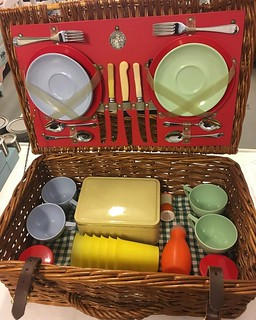 Get picnic ready!  How cute is this vintage set?! 😍 #VintageHomeLiving #Penzance #picnicbasket #Cornwall