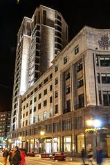Metrópolis (ccc.39) Tags: asturias oviedo noche nocturna edificio arquitectura night building city urban