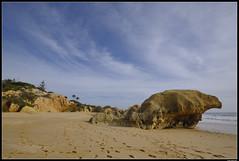 Praia De Galé #1 (LilFr38) Tags: lilfr38 fujifilmxpro2 fujifilmfujinonxf1024mmf4rlmois algarve portugal praiadegalé beach ocean sand wave cliff rock plage océan sable vague rocher falaise