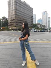 DSCN8744 (Avisheena) Tags: avisheena model town street hello world outfit jeans fullbody