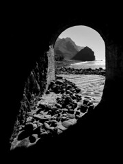 Spilling In (bisien) Tags: tunnel rockybeach