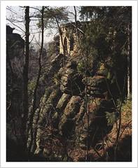 mysterious walls (Norbert Kaiser) Tags: sachsen saxony elbsandsteingebirge elbesandstonemountains sächsischeschweiz saxonswitzerland pfaffenstein mauern lostplaces abandoned decay urbanexploring sandstein sandstone felsen natur nature landschaft landscape wald forest
