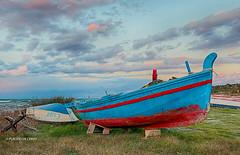 Brucoli (Sicilia) (Placido De Cervo) Tags: marina barche boats mare sea blu cielo tramonto sunset sicilia canon200d