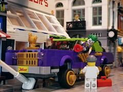Honk if you're a Joker fan (captain_joe) Tags: sooc toy spielzeug 365toyproject lego minifigure minifig batman harley quinn harleyquinn joker modularhouse brickbank joescars mikethemechanic
