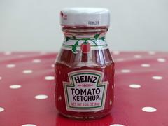 5th February 2019 (Scooby39) Tags: ketchup heinz heinztomatoketchup red bottle minature mini tomatosauce sauce tomato 1869