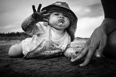 The great explorer (Stephan Harmes) Tags: tuscany baby beach sand bw black white elternzeit trip italy