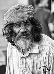 09-04/365_Mirada robada (2) (Dopior) Tags: 2007 hombre marginal sociales retrato