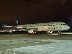 Turkish Airlines TC-JRP HAJ at Night (U. Heinze) Tags: aircraft airlines airways airplane planespotting plane flugzeug night olympus 1240mm haj hannoverlangenhagenairporthaj eddv