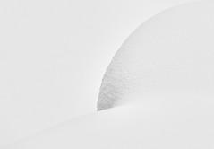 Sensual Snow Art (W_von_S) Tags: winter snow snowart sensual sinnlich schneekunst art kunst schnee highkey schwarzweis blackwhite bw monochrome abstrakt abstract simplicity einfarbig einfach form natur nature wvons werner sony sonyilce7rm2 snowshoehike schneeschuhwanderung focus fokus pov outdoor januar 2019 bayern bavaria