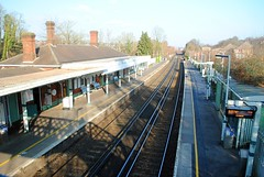 Coulsdon South station (zawtowers) Tags: london loop section 6 six coulsdonsouthtobansteaddowns walking amble stroll walk exploring outer suburbs green spaces coulsdon south railway train station footbridge platform view zone brighton main line sunday 20th january 2019 dry sunny cold bright afternoon