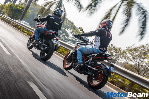 BMW-G-310-R-vs-KTM-Duke-390-16