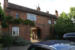 Hatfield, Gatehouse to Hatfield House (Clanger's England) Tags: wwwenglishtownsnet hertfordshire england et ebb ebi gradeiistarlistedbuilding lbs158361 gatehouse lodge