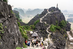 Hang Mua, Ninh Binh province. Vietnam (ravalli1) Tags: vietnam 2018 hangmua southeastasia ninhbinh travel vacations travelphotography muacaves view temple 500steps
