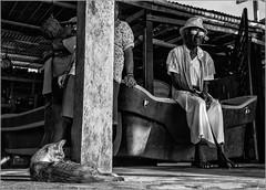 la vieille qui regardait la mer (kalzennyg) Tags: guatemala caraïbes livingston kalzennyg