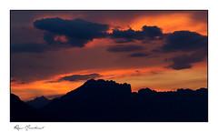 Le massif du Dévoluy en ombres chinoises (Rémi Marchand) Tags: sunset mountain dévoluy hautesalpes canoneos7d canonef70200mmf4lisusm france nuage ciel crêtedefaraut costefolle montagnedefaraut montagnedeféraud picpierroux brèchedefaraut