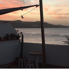 Another evening at our perfect beach - Enjoy time on Gran Canaria with us and Join the family at: www.hitidehouse.com 🌴 . . . . . . . #hitide #house #hostel #beach #canarias #grancanaria #laspalmas #lascanteras #surfholidays #surflife #surftrip (hitidehostel) Tags: ifttt instagram surf laspalmas grancanaria accommodation trip voyage travel sport action beach sun surfwyjazdy hitide discovery hostel 5starhostel
