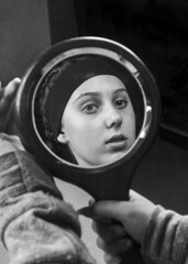 Reflect (Elle Cau) Tags: bridgepreferenceslabelgreenapproved bw blacknwhite monochrome editing mirrors reflect reflection mirror photoshop portrait