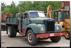 Mack B-42 (uslovig) Tags: mack b truck lorry camion camiones lkw lastwagen lastkraftwagen hauber conventional america amerika usa dump kipper conway scenic railroad b42 new hampshire nh