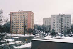 000043 (dominika.pancerz) Tags: 35mm analog analogue architecture canoneos1000 canon city kodak kodak200 krakow winter film