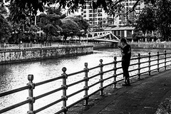Social time (Thanathip Moolvong) Tags: singapore centralregion sg people privacy personal space river
