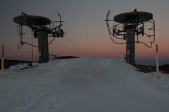 Sur les pistes (Gisou68Fr) Tags: lemarkstein montagne mountain hiver winter neige snow remontéesmécaniques coucherdesoleil sundown dusk crépuscule soir hautrhin grandest alsace france 68