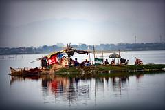 Life On A Tiny Island In Taungthaman Lake, Myanmar (El-Branden Brazil) Tags: myanmar burma burmese southeastasia asian asia mandalay ubeinbridge life happyplanet asiafavorites