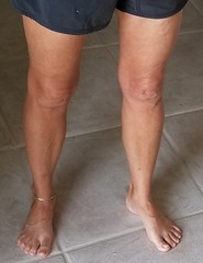 I asked this gorgeous GILF if I could take a pic of her anklet and she said sure! (Live2sucktoes) Tags: gilf feet sexy toes anklet legs incredible milf