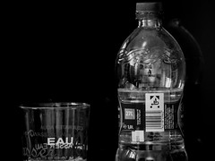 Wasser - Aqua - Eau - Water (p.schmal) Tags: panasonicgx80 tamron14150mm wasserglas wasserflasche